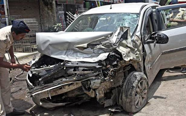 Drunk' driver rams into 2 cars, meter box in Thane | Popular